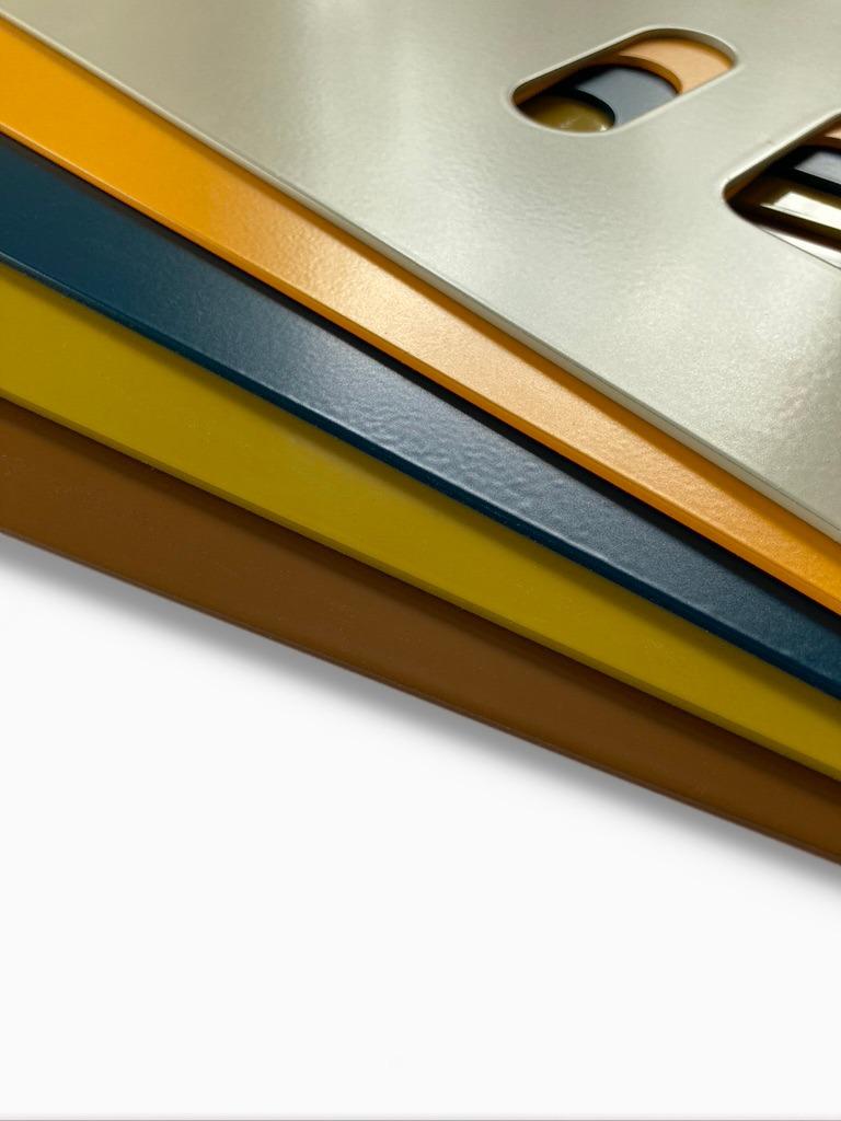 Pulverbeschichtete Frontplatten für den Käues-Automaten